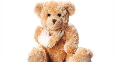 LINDY teddy bear to be used solely with ENTONOX/LIVOPAN campaign - secondary imagery for paediatrics